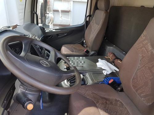 caminhão mercedes-benz atego 2426