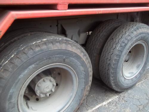 caminhão poliguindaste
