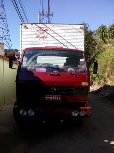 caminhão toco baú vw 13130