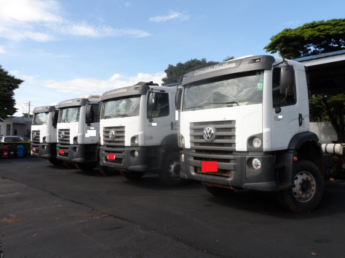 caminhão traçado vw 31280 6x4 2015/2015