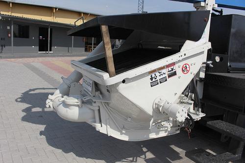 caminhão vm 270 traçado com bomba lança putz 36