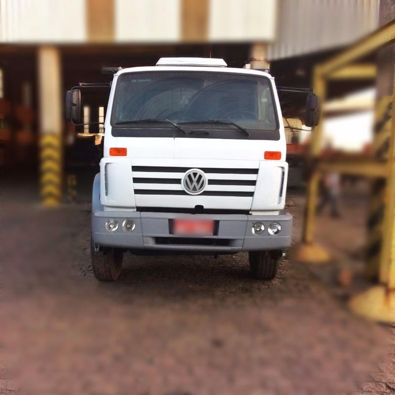caminhão volkswagen 26220 ano 2010 6x4 basculante