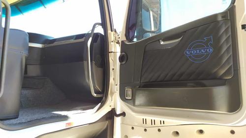 caminhão volvo fh 380 2005 4x2 toco