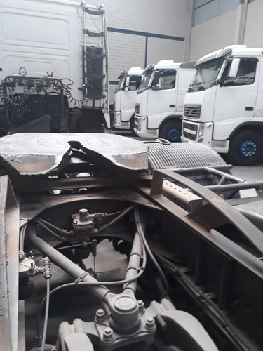 caminhão volvo fh 440 6x2 ano 2011