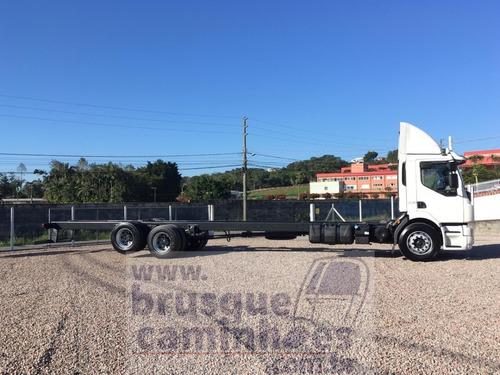 caminhão volvo vm 330 ano 2015 com ar condicionado