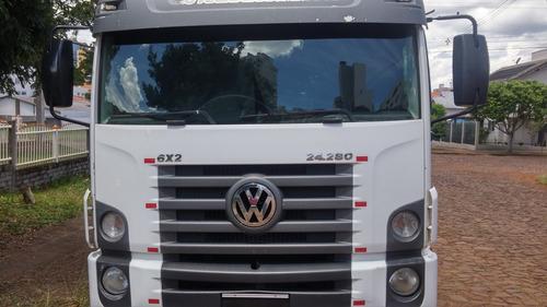 caminhão vw 24 280 constelation 13/13 cabine leito 2 camas