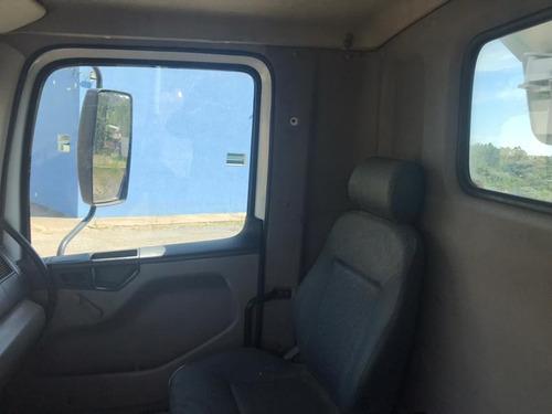 caminhão vw 31260 6x4 basculante cacamba ano 2011
