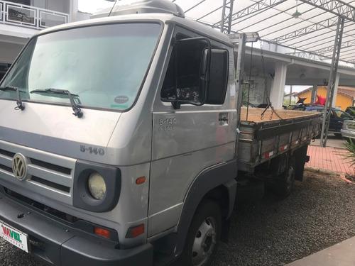 caminhão vw 5140 ano 2008, prata.