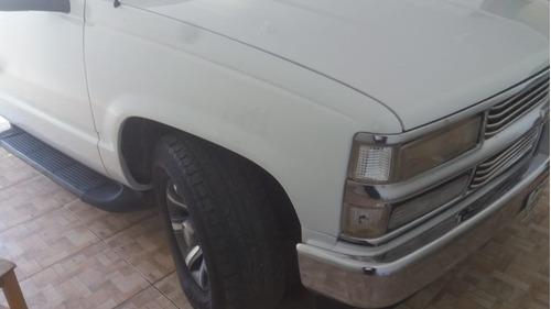 caminhonete chevrolet silverado completa, revisada