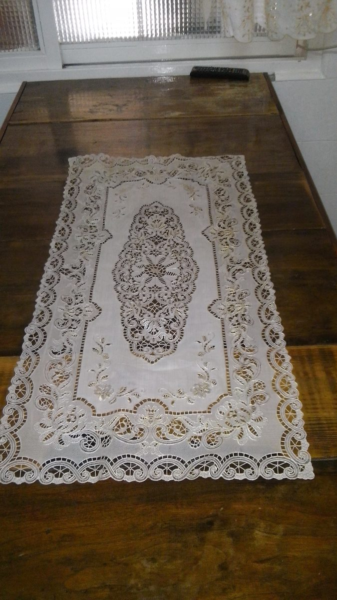 camino carpeta para mesa mantel chico antiguo de plastico