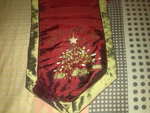 camino de mesa de navidad. usado. muy fino