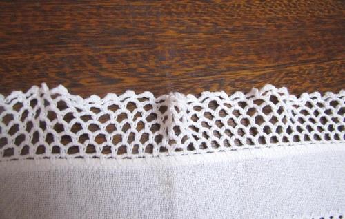 camino de tela labrada natural bordada -  puntilla a bolillo