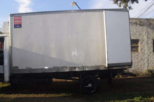 camion 914 mercedes benz con ganchera y caja tèrmica
