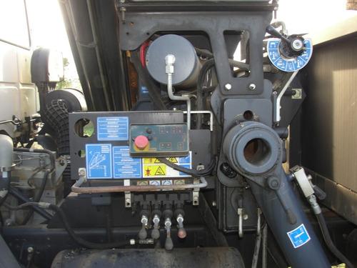 camion cargo 1721  brazo hidraulico 8.4 toneladas copma 210