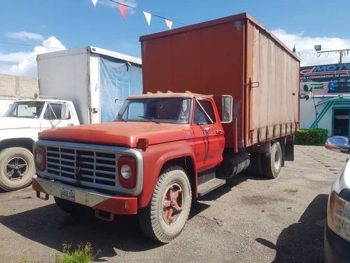 camion casillero 600