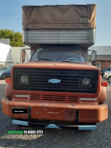 camion chevrolet 610 color naranja caja paquetera