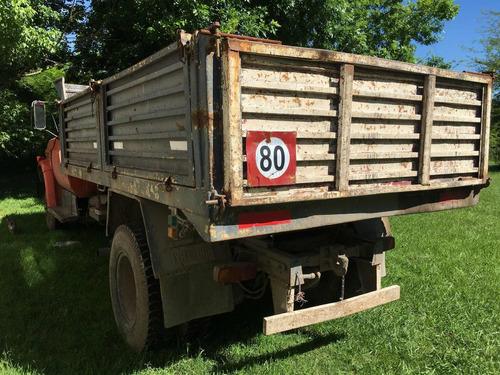 camión chevrolet 714, con volcadora