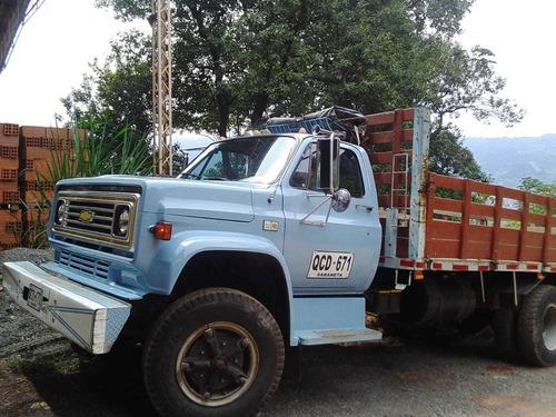 camión chevrolet azul claro perfecto estado. negociable