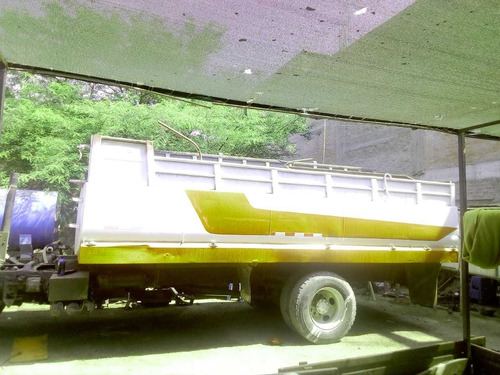 camion cisterna 8000 dolares