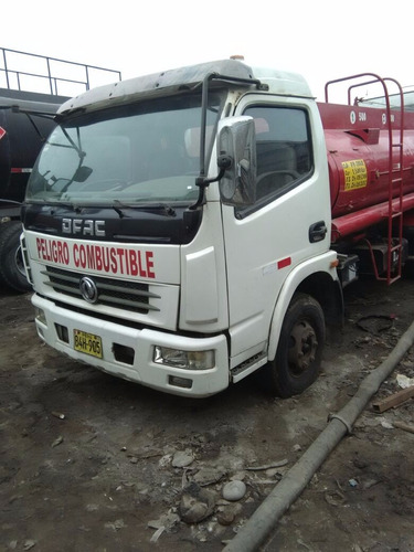 camion cisterna de combustible  marca dong feng olimpic 8.5