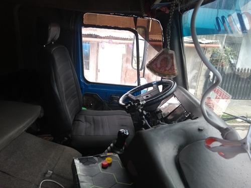 camion cisterna operarivo