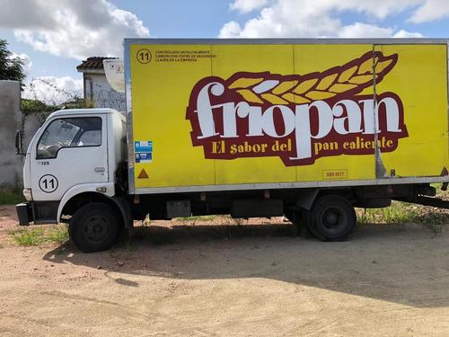 camion con furgon y equipo de frio para congelado