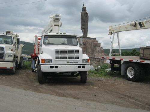 camion con grua tipo titan