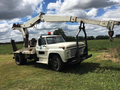 camion con hidrogrua