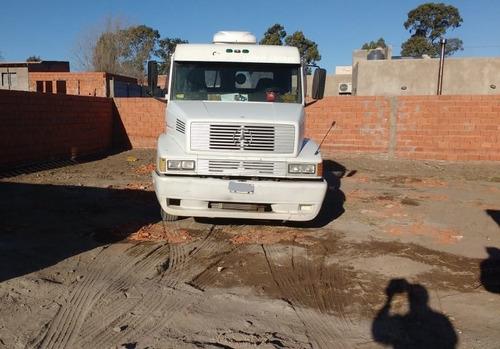 camion con semi mercedes benz 38