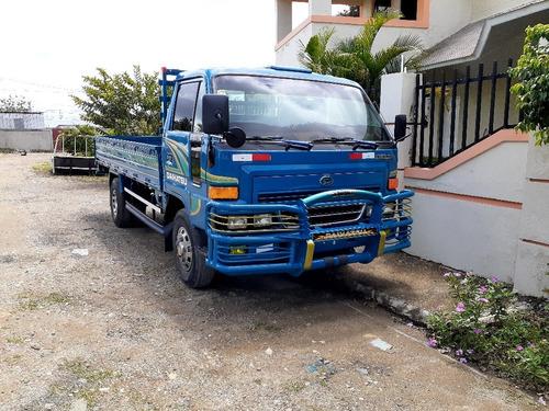 camión daihatsu cama larga confort 2009