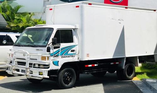 camion daihatsu delta 2005 - cama larga