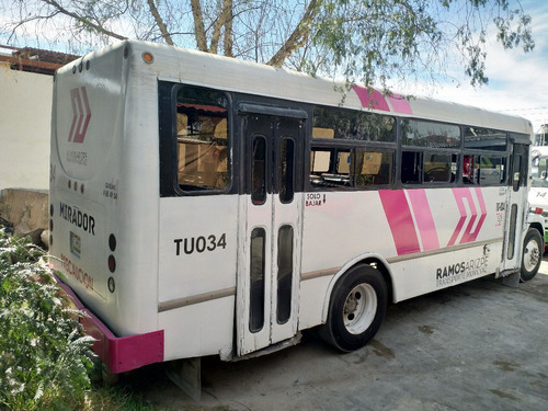 camion de 31 pasajeros