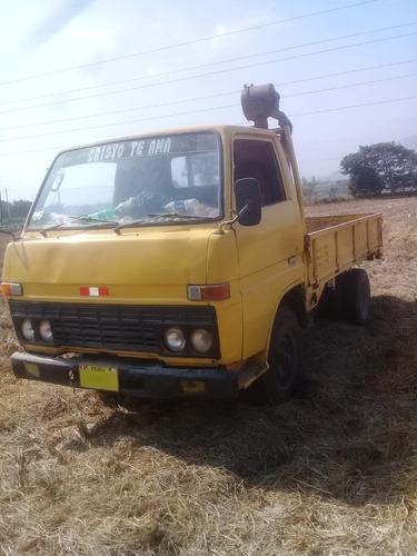 camión de 5 toneladas  toyota dyna año 84