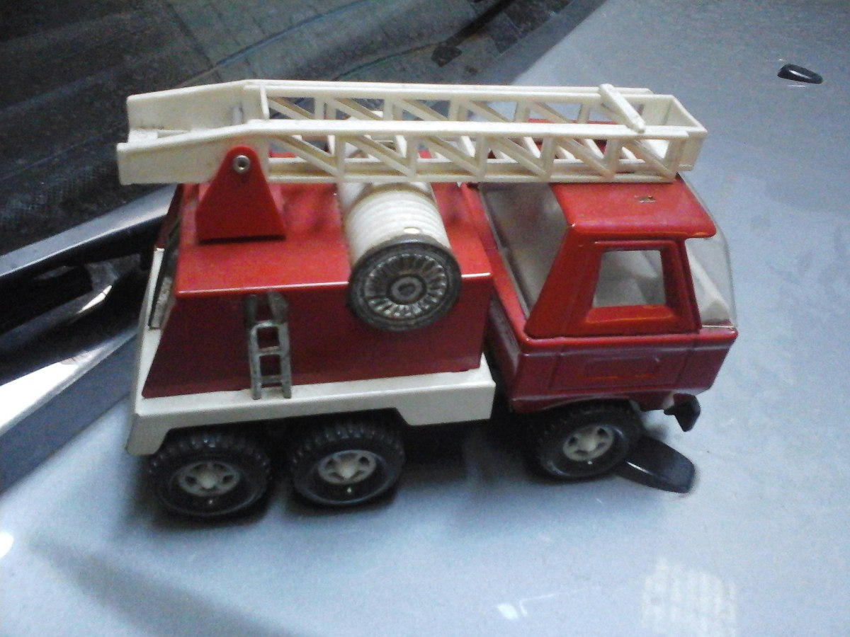Camión de bomberos de PLAYMOBIL de 1981 -