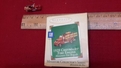 camion de bomberos miniatura chevrolet hallmark c3341