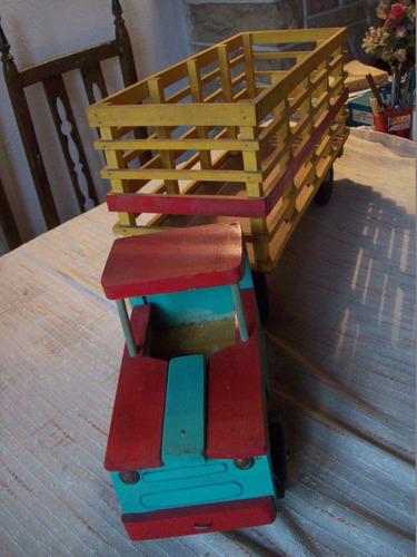 camión de madera. juguete retro. ind.arg. michelina - 86x20