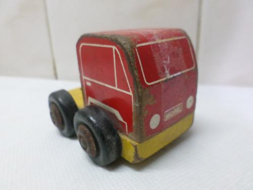 camion de madera madital