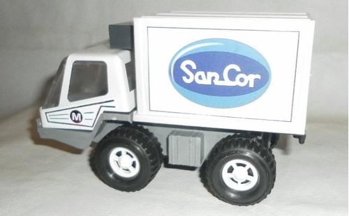 camion de sancor de chapa y plastico