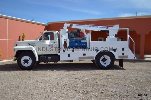 camion de servicio grua ford f700 freightliner international
