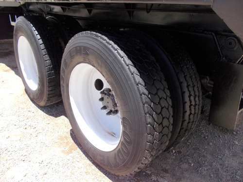 camion de volteo international s2500 14 metros suspension