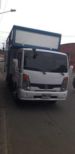 camion doble cabina