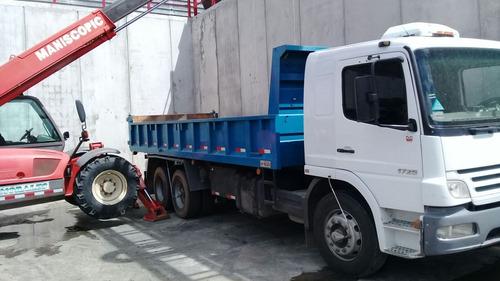 camion doble eje con volcadora