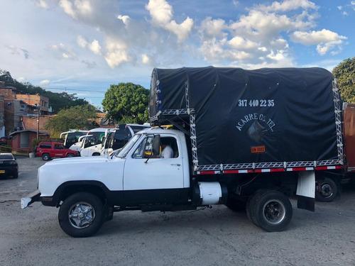 camión dodge d300 estacas blanco 1978