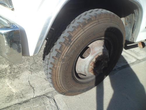 camión ford 350  cara dura.