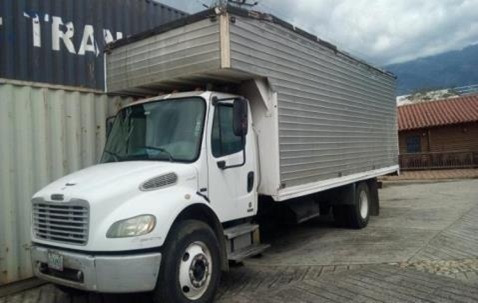 camion freightliner m2 106 año 2006