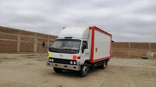 camion furgon toyota dyna 400