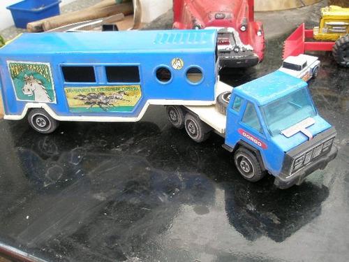 camion gorgo lata transp. de  caballos con su caja original