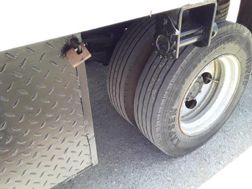 camión grua plataforma mitsubishi canter