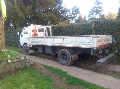 camion hasta 4,5 tn, playo apto para mudanzas, cargas grales