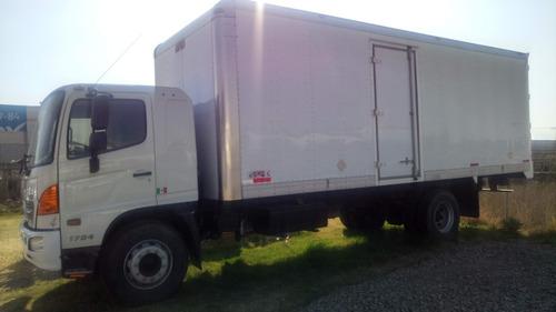 camión hino 1724